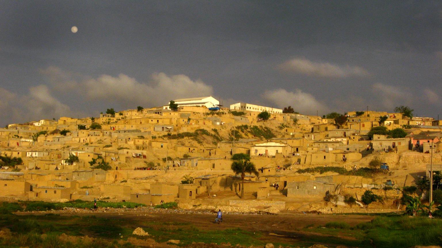 Benguela, Angola, october 2007_photo by Carlos Ebert_FLICKR creative commons