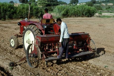 Les entreprises agroalimentaires ont une grande part de responsabilité dans les inégalités foncières en Afrique. Crédit image: Africa Renewal (CC BY-NC-SA 2.0)