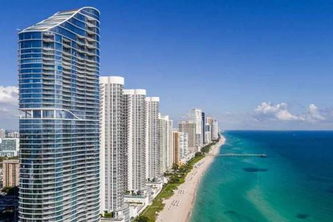 L'effondrement partiel d'un immeuble à Miami est un parfait exemple de l'urgence de s'adapter à la hausse des niveaux de la mer pour les communautés côtières. PHOTOGRAPHIE DE JEFFREY GREENBERG, EDUCATION IMAGES/UNIVERSAL IMAGES GROUP/GETTY